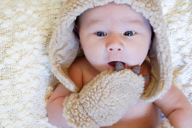 gorro e luvas para bebé